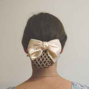 Grande barrette noeud satin + filet chignon