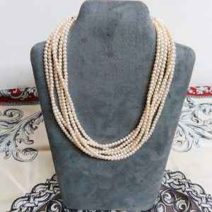 Collier six rangs perles
