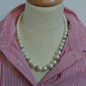 Collier blanc perles fines d'imitation